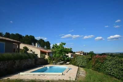 Belle villa à Joyeuse avec piscine privée