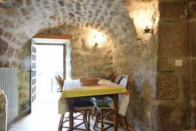 Maison de vacances cosy à La Souche sur la rivière Le Lignon