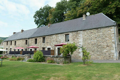 Charmant gîte avec terrasse à Vireux-Wallerand