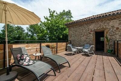 Villa vintage avec terrasse pricée à Artigat