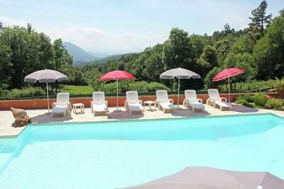 Maison de vacances paisible à Arques avec piscine