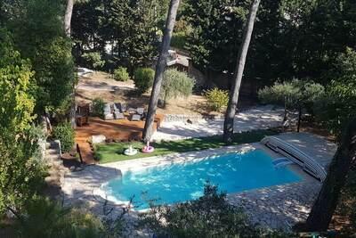 Un paradis caché dans le magnifique environnement de Saint-Remy-de-Provence !