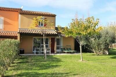 Maison de vacances cosy avec piscine à Arles