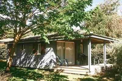Chalet confortable avec un porche près de la côte atlantique
