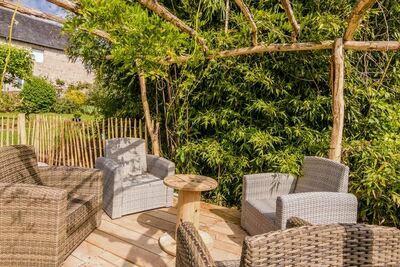 Maison de vacances moderne à Vars-sur-Roseix avec piscine