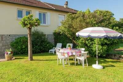 Maison de vacances élégante avec jardin, barbecue, meubles de jardin