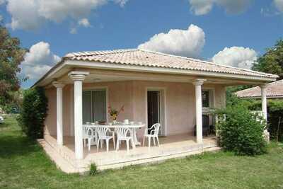 Maison de vacances confortable avec piscine à Moriani-Plage