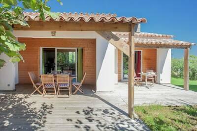 Belle villa à Poggio-Mezzana, à 150 m de la plage
