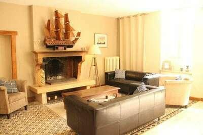 Maison de vacances confortable avec jardin clôturé à Bouix