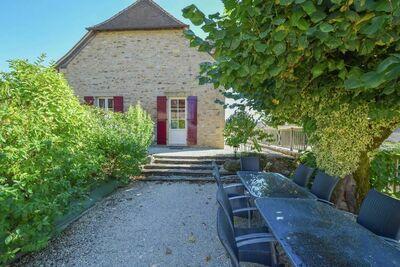 Villa de luxe près de Saint-Médard-d'Excideuil avec piscine