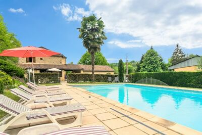 Maison de vacances cosy avec piscine à Siorac-en-Périgord