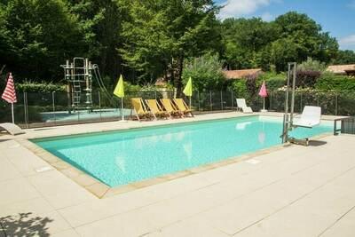 Maison de vacances à Castelnaud-la-Chapelle avec piscine