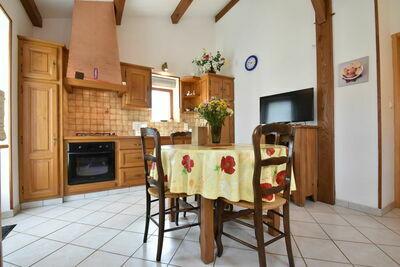 Confortable maison de vacances avec jardin à Prats-de-Carlux