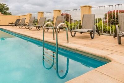 Maison de vacances agréable en Aquitaine avec piscine privée