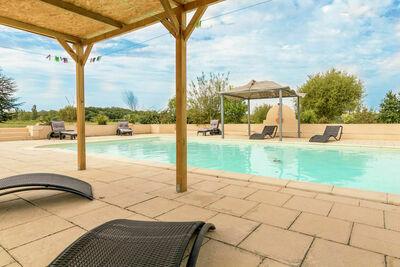 Villa individuelle avec piscine privée chauffée.
