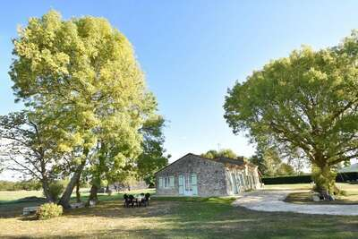 Maison de vacances avec jardin à Saint-Nexans, en France