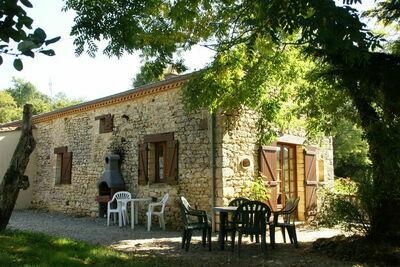Charmante maison de vacances à Prats-du-Périgord, piscine