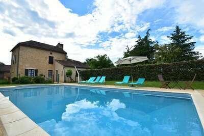 Maison de vacances moderne à Besse, Dordogne avec piscine privée