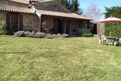 Superbe maison de vacances avec jardin à Loubejac