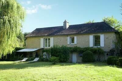 Maison de vacances à Villefranche-du-Périgord, piscine