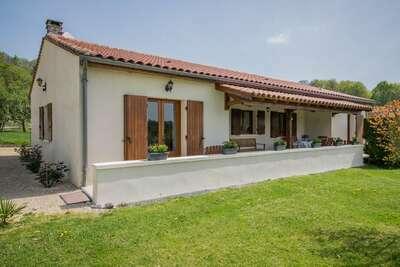 Maison de vacances patrimoniale en Aquitaine avec barbecue