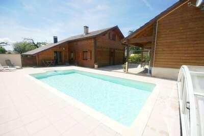 Chalet spacieux avec piscine situé à Abbevillers