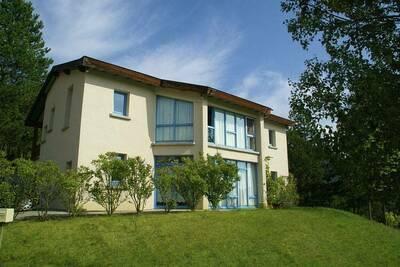 Belle maison de vacances à Marignac-en-Diois avec piscine