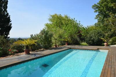Maison luxueuse aux Granges-Gontardes avec piscine