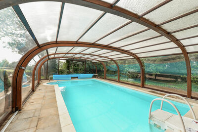 Belle maison de vacances avec piscine à Santec, en France