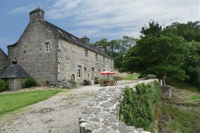 Demeure patrimoniale en Bretagne avec terrasse
