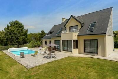 Villa spacieuse à Concarneau avec piscine