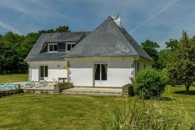 Maison de vacances de luxe à Concarneau avec piscine