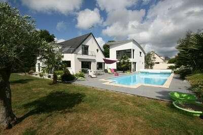 Villa moderne avec piscine privée à Bénodet en France