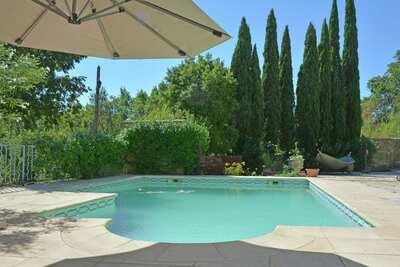 Belle villa à Castelnau-Valence avec piscine privée