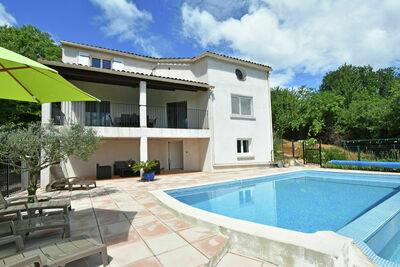 Paisible villa avec piscine privée à Courry