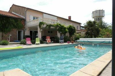Villa moderne avec piscine à Nailloux