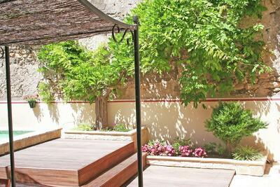Belle maison de vacances à Cazouls-d'Hérault avec piscine