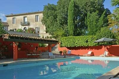 Villa moderne avec piscine privée à Saint-Mathieu-de-Trévier