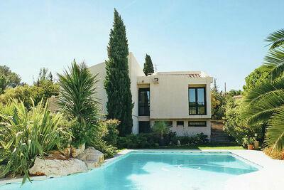 Maison de vacances moderne à Cournonterral avec piscine