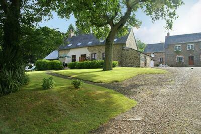 Maison de vacances calme avec jardin à Bonnemain, Bretagne