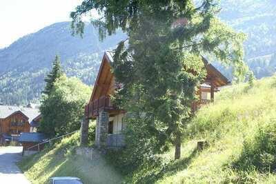 Chalet paisible avec terrasse à L'Alpe-d'Huez