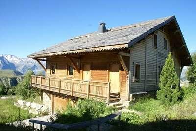 Chalet luxueux avec cheminée dans la région de l'Alpe d'Huez