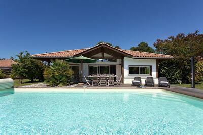 Belle villa avec piscine privée au bord de l'Atlantique