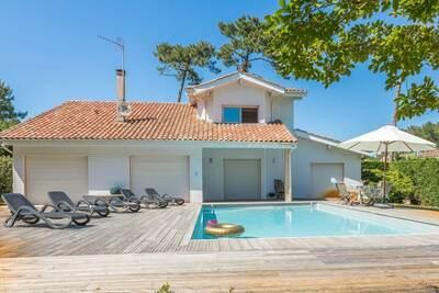 Villa de luxe avec piscine privée située à 400 m de la plage
