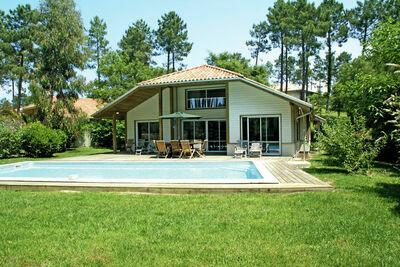 Belle villa avec piscine privée à 900m de la plage