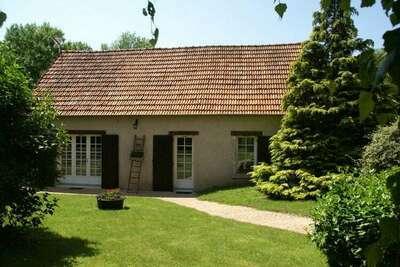 Fantastique maison de vacances à Saint-Ay avec terrasse