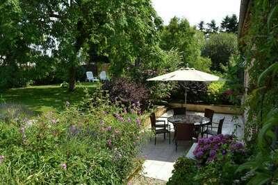 Belle maison de vacances à Chilleurs-aux-Bois avec jardin
