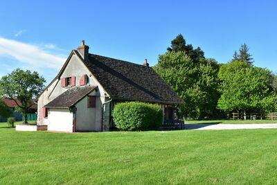 Propriété authentique sur un grand territoire dans la campagne de Saint-Maurice-sur-Aveyron