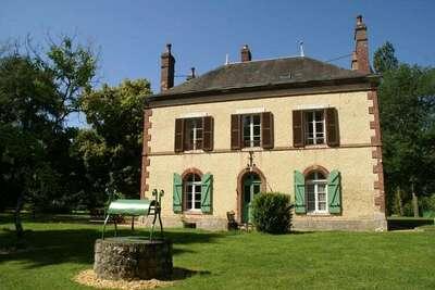 Maison de vacances avec jardin à Cernoy-en-Berry en France