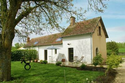 Agréable maison de vacances à Sully-sur-Loire avec jardin